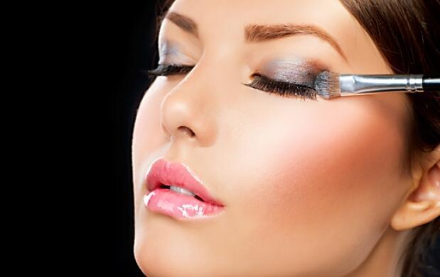 Peeling + mascarilla + maquillaje