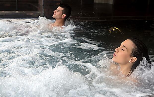 Circuito termal ilimitado y/o masaje ducha Vichy