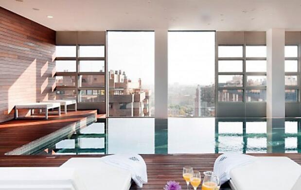 San Valentín: limusina, hotel 5* y spa