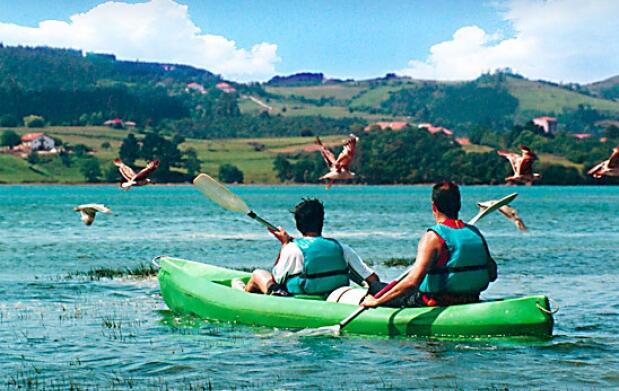 Descenso en canoa por Urdaibai