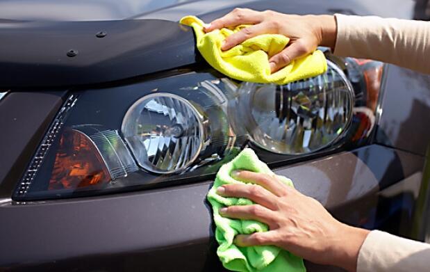 Lavado a mano de tu automóvil