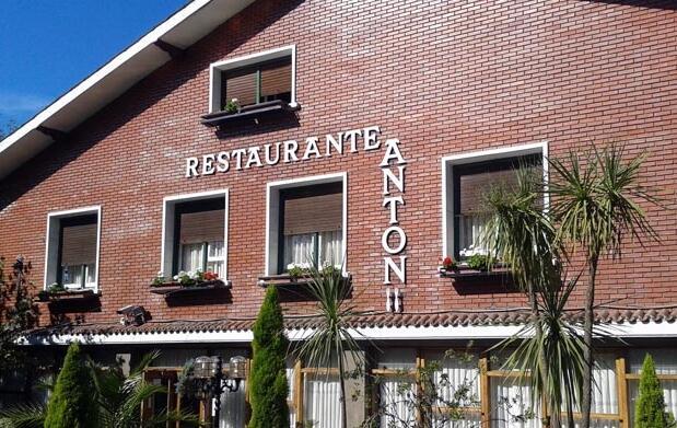 Menú con txuletón y más en el Antón