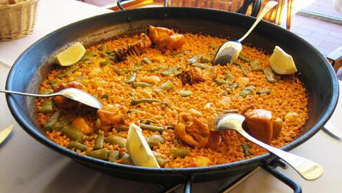 Menú de arroz marinero en restaurante El Ideal