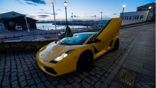Pilota un superdeportivo Lamborghini