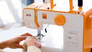 Máquina de coser con funda opcional