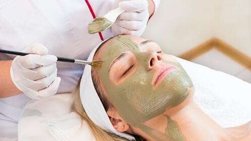 Tratamiento facial espirulina + manicura