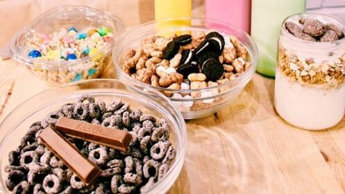 2 o 4 menús con bol de cereales y bebida de leche, Lets Cereal