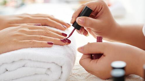 2 sesiones de manicura y/o pedicura con opción a depilación con hilo