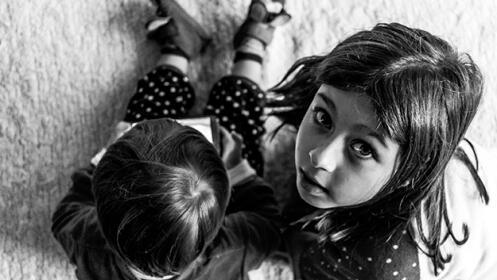 Sesión fotográfica documental en familia a domicilio