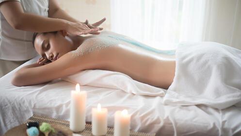 Masaje y/o peeling corporal en Yunia Sauquet