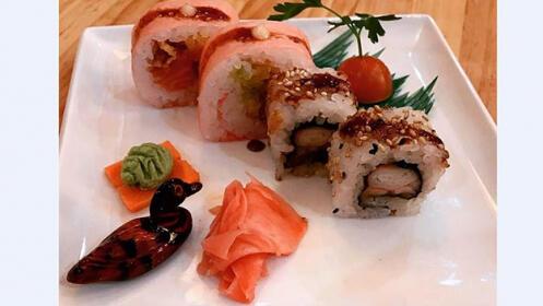 Menú japonés para comer en el restaurante o llevar