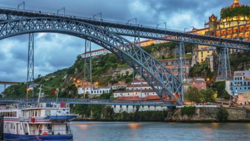 Escapada Romántica a Portugal para 2 : 2 noches en Hotel +Desayuno+ Crucero y más...